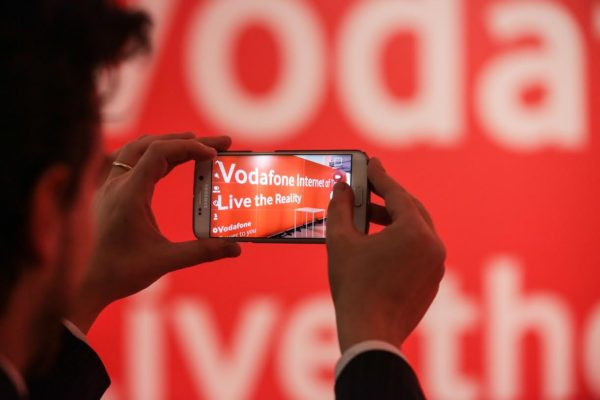 Photo of Saldi Vodafone: le offerte smartphone di Agosto 2017