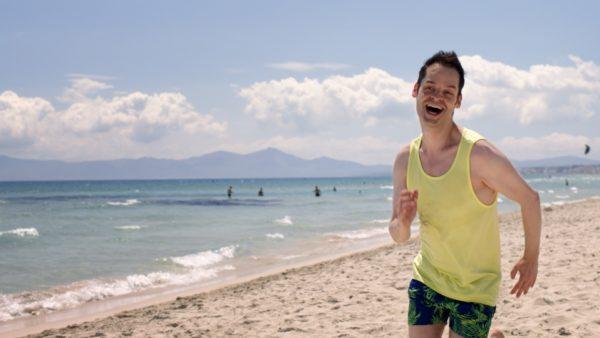 Vodafone presenta un nuovo spot per celebrare la velocit - La ragazza della porta accanto colonna sonora ...
