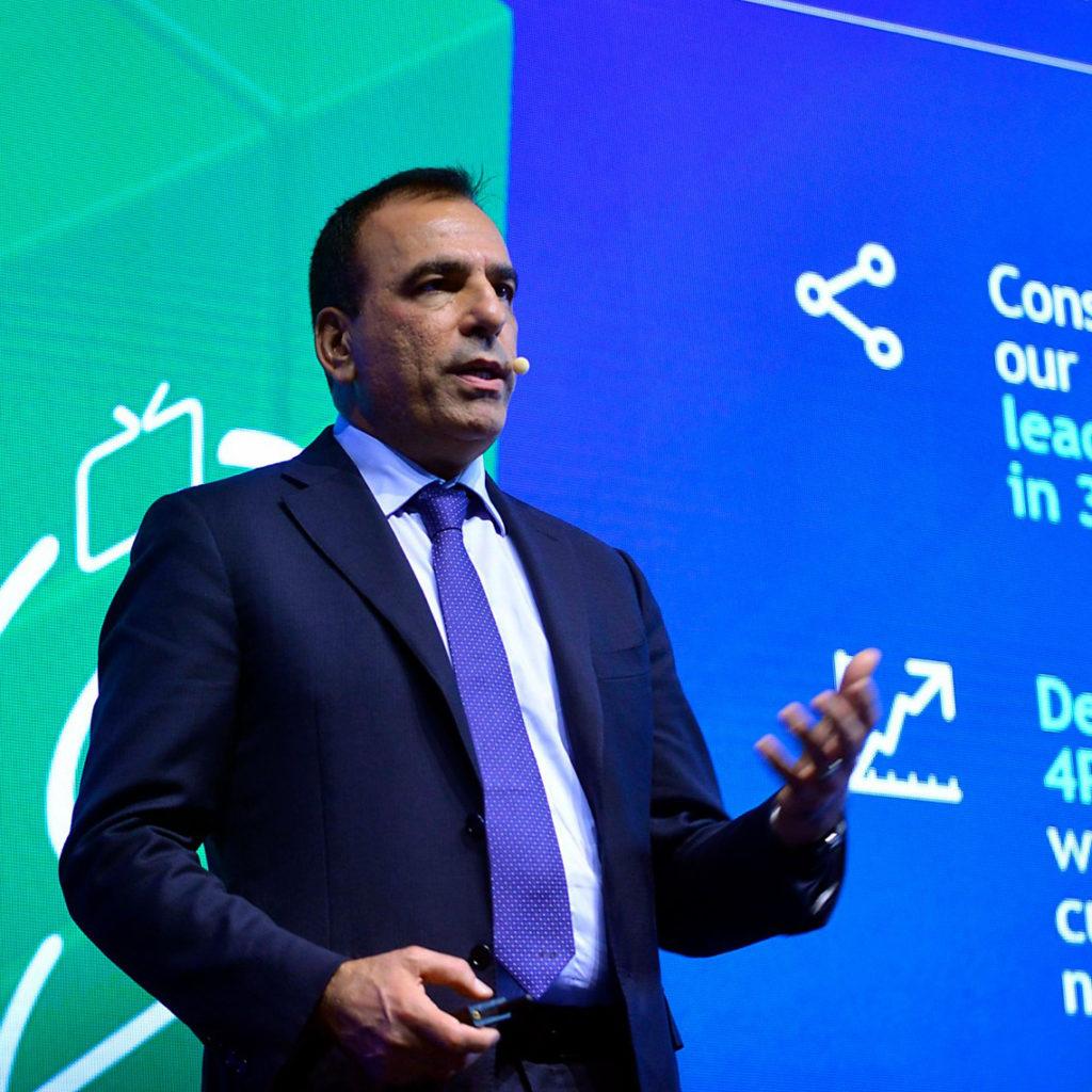 Photo of Tim: il CdA approva il Piano Strategico DigiTim 2018-2020 che comprende anche il raddoppio della clientela convergente fisso-mobile