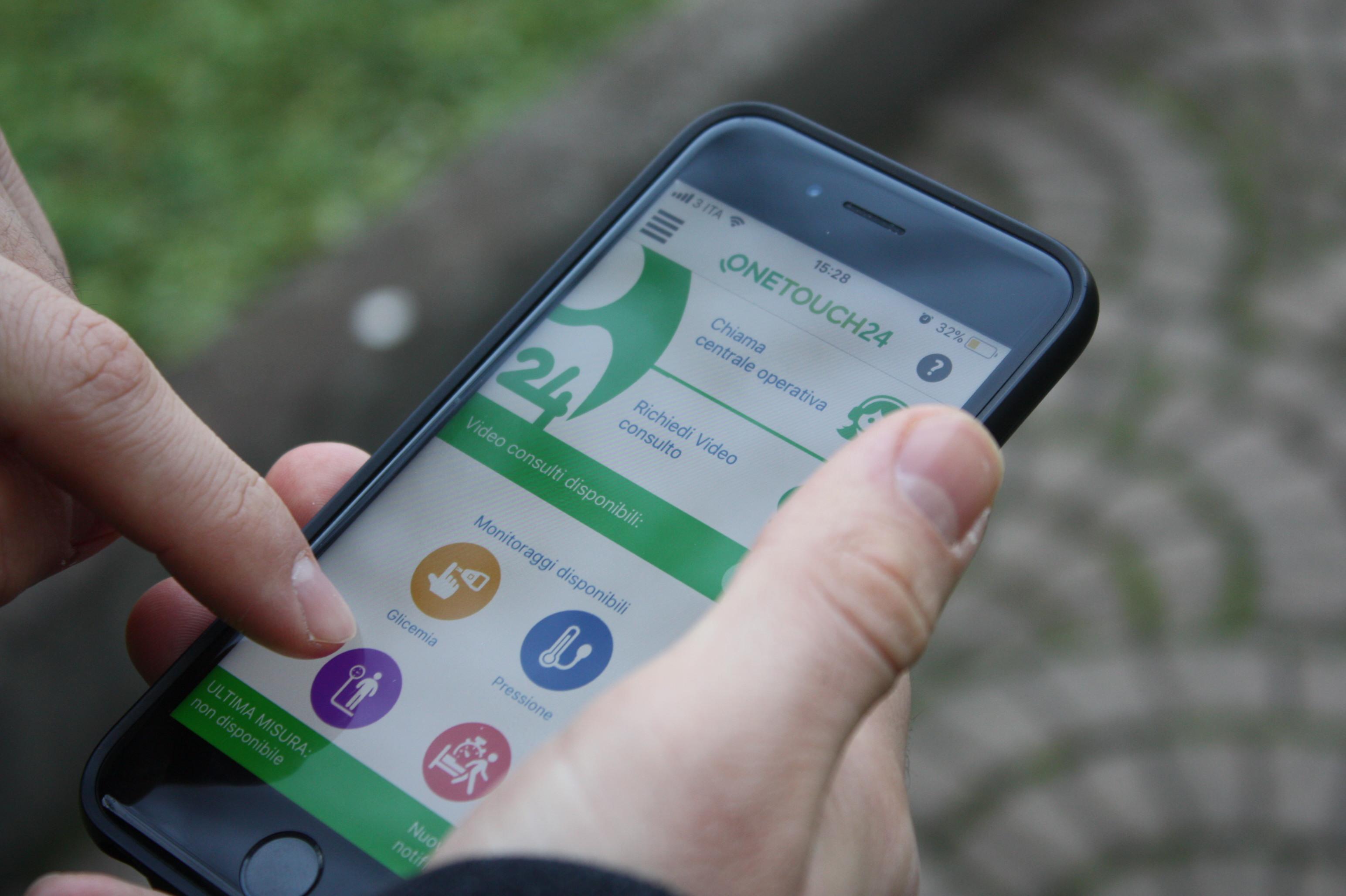 Photo of Presentata la App OneTouch24: un innovativo servizio di teleassistenza che monitora i tassi glicemici