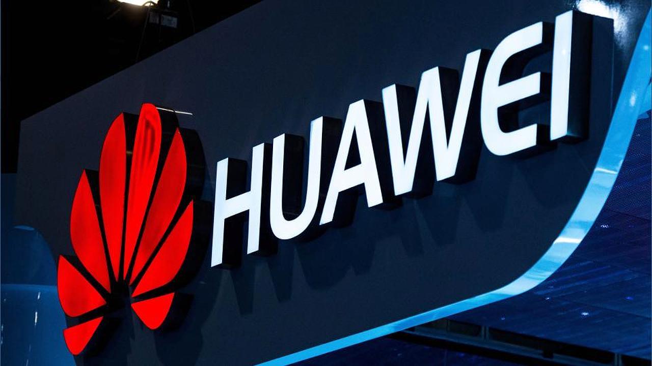 Huawei lancia lo smartphone P20, con tripla fotocamera e intelligenza artificiale