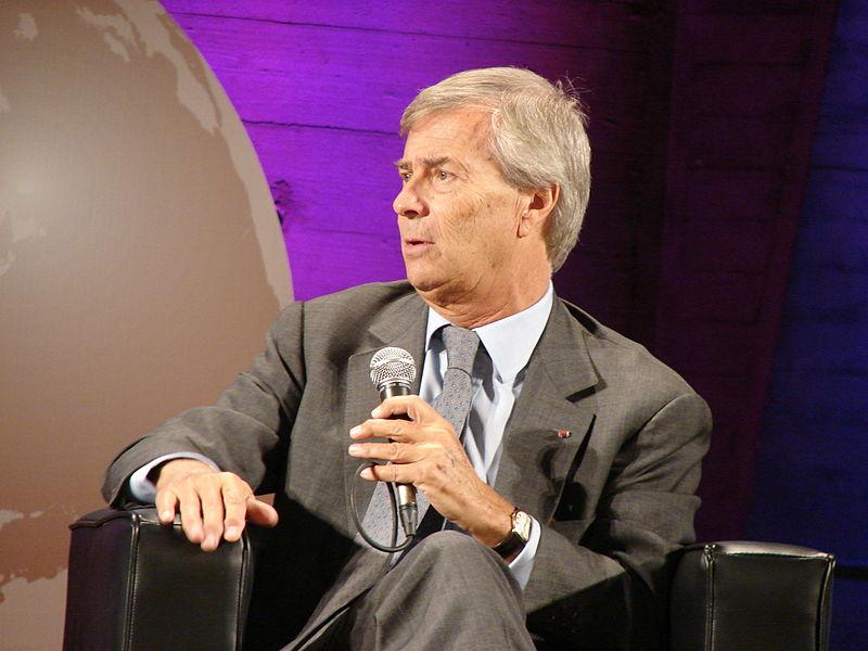 Photo of Vivendi e TIM: il colosso francese chiede di convocare un'assemblea e revocare i consiglieri del fondo Elliott