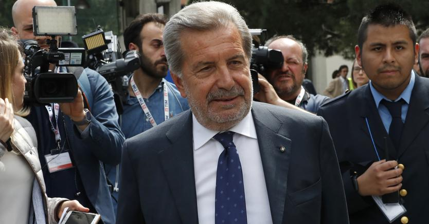 Photo of Fulvio Conti si dichiara disponibile a lasciare la carica di Presidente TIM. Asati scrive a CDP