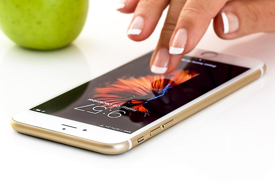 Photo of Tre: ecco il listino natalizio per l'acquisto a rate degli iPhone Apple con le offerte ALL-IN