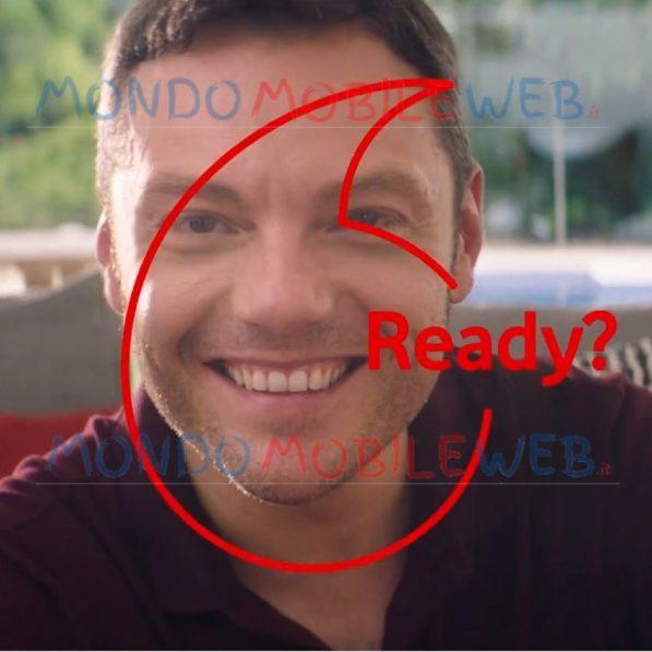 """Photo of Vodafone: nuovo spot con Tiziano Ferro che pubblicizza il """"Giga Wi-Fi"""" della rete fissa"""
