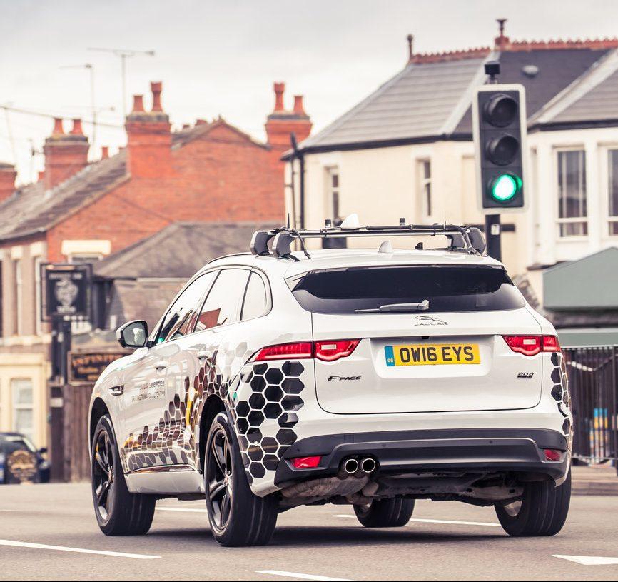 Photo of Sicurezza stradale: sempre più reale il trasporto intelligente che connette i veicoli tra loro