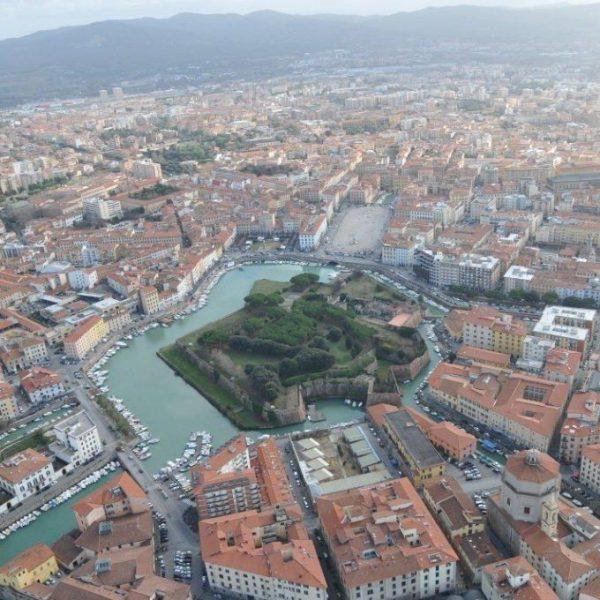 Photo of A Livorno si naviga fino ad 1 Gbps: Wind Tre avvia la vendita della Fibra FTTH di Open Fiber