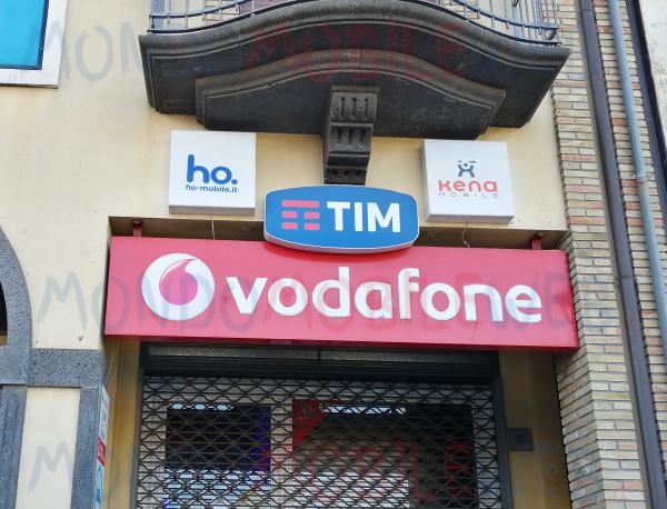 Photo of Offerte telefonia mobile: Vodafone, Tim, Kena, ho. e Wind Tre con Giga e minuti sotto 7 euro al mese