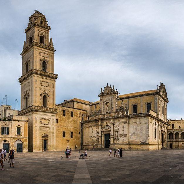 Photo of Vodafone: ad Ancona, Grosseto, Lecce e Varese è attivabile la Fibra FTTH di Open Fiber