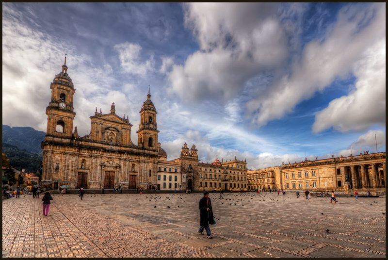Photo of Sparkle: dopo Cartagena, l'azienda apre un nuovo Punto di Presenza anche a Bogotá