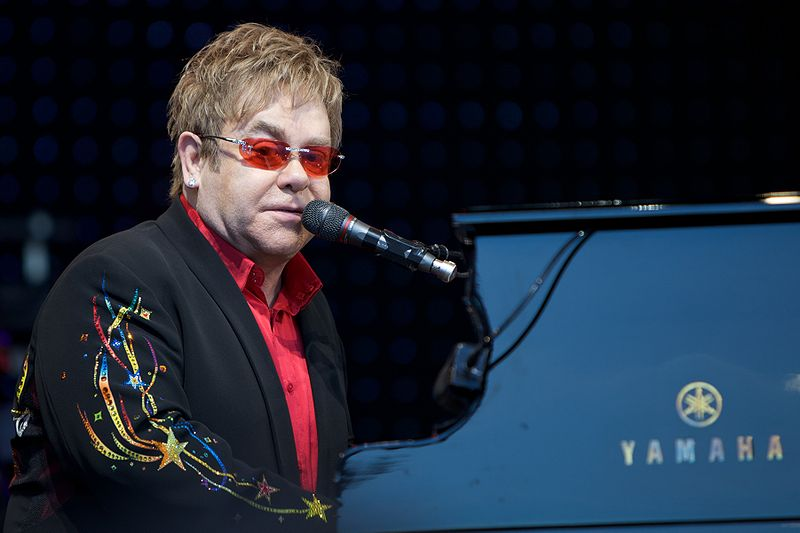 Photo of TIMMusic: cinque playlist dedicate a Elton John per l'uscita del film Rocketman
