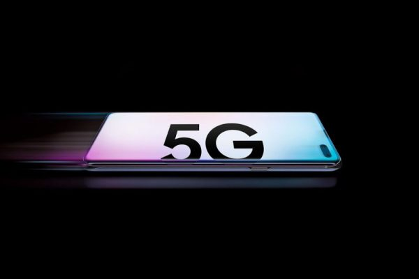 Photo of Speedtest: in Italia il Samsung Galaxy S10 5G è lo smartphone 5G più veloce in download