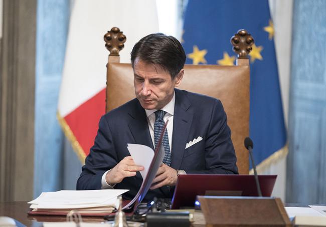 Photo of Rete Unica: il dibattito ritorna in politica dopo il commento di Beppe Grillo su Open Fiber e TIM