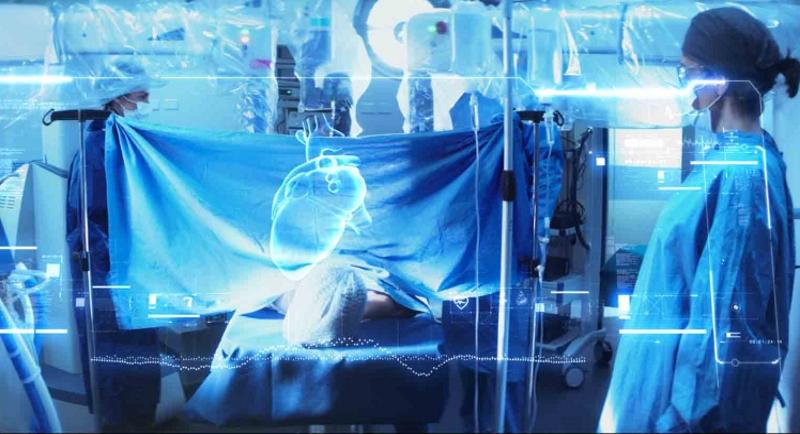 Photo of Sanità 5.0: il Professor Palazzini assiste a un'operazione chirurgica in diretta con il 5G di TIM