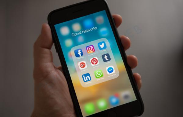 Photo of Social in Italia: a Marzo 2020 aumento di utenti unici per tutti, TikTok supera Reddit